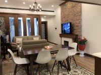 Bán căn hộ chung cư 84,5 m2, tòa nhà D2 Giảng Võ. DT: 84,5 m2 gồm 02 phòng ngủ.giá 5 tỷ.0985672023 6451832