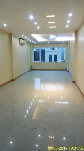chính chủ cho thuê nhà mặt phố hoàng quốc việt rộng 70m2 7 tầng rộng thông sàn 7223554