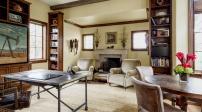 Mách bạn trang trí nhà với kệ sách cao và hẹp