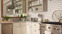 Treo gương tăng năng lượng cho phòng bếp tối và chật hẹp