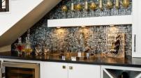 Thiết kế bếp dưới gầm cầu thang hẹp siêu tiện nghi
