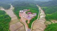Lâu đài gốm sứ của cụ bà 86 tuổi ở Trung Quốc
