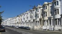 Anh: Nhiều hộ gia đình đang thuê nhà theo hợp đồng