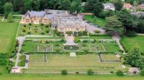 Anh: Bộ Quốc phòng bán 10% quỹ nhà đất để thu 1 tỷ bảng
