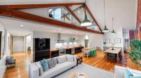 Chiêm ngưỡng ngôi nhà có thiết kế tiện nghi và hiện đại
