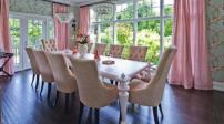 Trang trí ngôi nhà thêm đẹp với sắc hồng