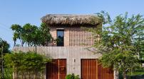 Chiêm ngưỡng nhà mái lá 2 tầng đậm chất Nam Bộ