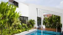 Độc đáo bể bơi được thiết kế trên nóc nhà 3 tầng