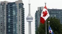 Canada: Tìm cách giảm nhiệt thị trường địa ốc và xu hướng vay nợ