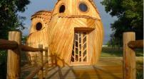Ngôi nhà gỗ độc đáo hình 3 chú cú mèo