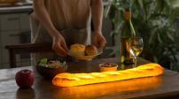 Đèn trang trí hình bánh mì độc đáo, lạ mắt