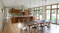 Mẫu phòng ăn tuyệt đẹp với sàn gỗ