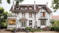 Ngắm ngôi nhà gỗ đẹp như cổ tích