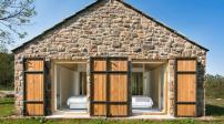 Chiêm ngưỡng căn nhà đá nhỏ có không gian sống hiện đại