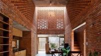 Ngôi nhà có thiết kế độc đáo làm từ gạch nung