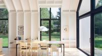 Chiêm ngưỡng ngôi nhà làm bằng gỗ trắng