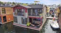 Ngôi nhà nổi bồng bềnh trên mặt hồ ở Mỹ