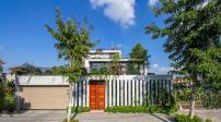 Nhà 3 tầng thoáng đãng nằm giữa khu vườn xanh ở Ninh Bình