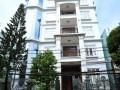 Cho thuê tòa nhà khách sạn 9 tầng mặt hồ Trung Kính mới. DT 155m2. Giá=140tr/th
