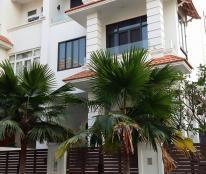 Cho thuê nhà biệt thự MT đường D1 KDC HimLam Q7 căn góc, giá 140triệu/tháng