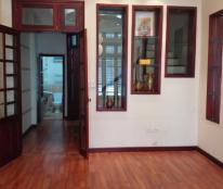 Cần tiền bán gấp nhà ngõ 105 Láng Hạ, dt 50m2, 5 tầng, đẹp xuất sắc, ô tô vào nhà