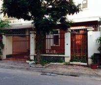 Cần bán gấp BT6 khu đô thị Văn Phú, Hà Đông, dt 210m, giá hấp dẫn.