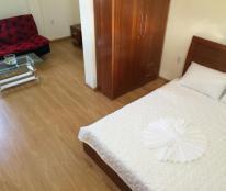 Cho thuê căn hộ 2 phòng ngủ, nội thất sang trọng, gần sân bay. Liên hệ: 0936407364