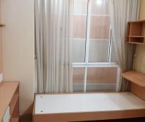 phòng cho thuê tại quận 5. diện tích 20m2. giá thuê 4tr5. toilet trong, sinh hoạt khép kín