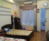 Gia đình cần bán gấp nhà mặt phố Yên Phụ, Tây Hồ, diện tích 80m2, mặt tiền 4,1m. LH. 0934550556.