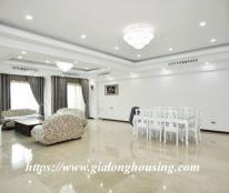 Bán CH tầng 10 chung cư cao cấp L1 Ciputra, 267m2, 4PN, đầy đủ nội thất, ban công nhìn ra sân gold