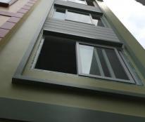 Bán nhà gần chợ La Cả 1,35 tỷ(35M2- 4T) đường Ỷ La, Dương Nội,-0911152123