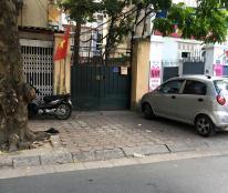 Cần cho thuê nhà mặt phố Thanh Nhàn 80m, MT 6m, 30tr/tháng.