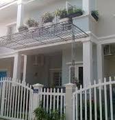 Nhà mới xây 1 trệt, 1 lầu, DT 4x16m, SHR, khu Cát Tường Phú Sinh Eco 918tr