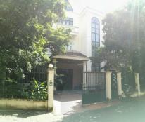 Cho thuê biệt thự 3 tầng và 1 tầng áp mái trên khuôn viên đất 500m2 tại 98 Tô Ngọc Vân, Tây Hồ