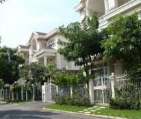 Cần tiền bán gấp biệt thự Hưng Thái, Phú Mỹ Hưng, Quận 7. DT: 7x18m, giá 10.8 tỷ.