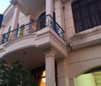 Cho Thuê Biệt Thự VIP Lạc Long Quân,DT:10x20=200M,4 Phòng Ngủ,Gía:12 Tr/Th