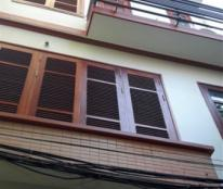 Cho thuê nhà vuông vắn mặt phố Đỗ Quang, DT 46m2, xd 5 tầng, đường 15m.
