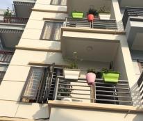 Cần bán nhà mới xây, khu đông dân cư, 4,5 tầng, mặt tiền 4m, giá chỉ 2,35 tỷ