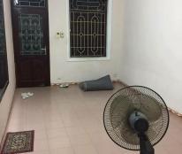 Cho thuê nhà riêng tại Đội Cấn, Ba Đình. Diện tích 51m2