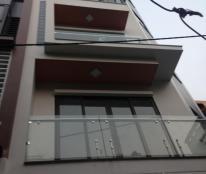 Bán nhà hiếm Tôn Đức Thắng, 32 m2, 3.3 tỷ có thương lượng.