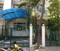 Cho thuê biệt thự Hưng Thái 1, Phú Mỹ Hưng, giá 1100USD, liên hệ 0919752678