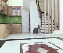 Cần bán nhà riêng 2 tỷ Ngô Quyền, Phan Đình Giót 34m2, 4 tầng, ô tô đỗ cửa, 0988352149
