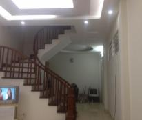 Bán nhà ngõ 898 Đường Láng, nhà diện tích 40m2, 5 tầng, mặt tiền 3,2m, hai mặt ngõ Giá 3.3tỷ