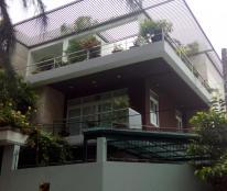 Cần bán gấp nhà mặt tiền đường số 2 KDC ven sông Sadeco, phường Tân Phong, quận 7