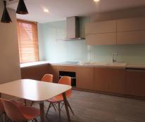 Căn hộ mới, nội thất cao cấp cho người nước ngoài tại phố Tây Hồ