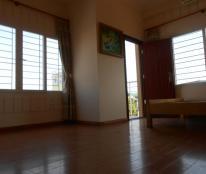 Phòng 65m2 cửa sổ lớn 2 hướng, gần Hồ Tây, Ao Sen