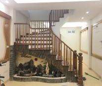 Bán nhà xây mới ngõ132 Xuân Thủy,Cầu Giấy, DT50m2x5T,giá 5.5 tỷ nội thất cao cấp