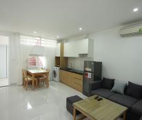 Cho thuê nhà riêng trong ngõ đường Đào Tấn, DT 56m2, ô tô đỗ cửa full nội thất