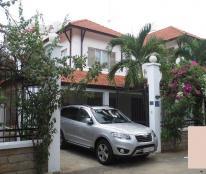Cho thuê biệt thự 220m2, 1 lầu, sân để xe ô tô, 12tr/tháng, đường QL13
