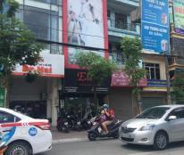 Bán nhà mặt phố Cát Linh, quận Đống Đa, DT 200m x 5t, vị trí vàng, giá 58 tỷ.